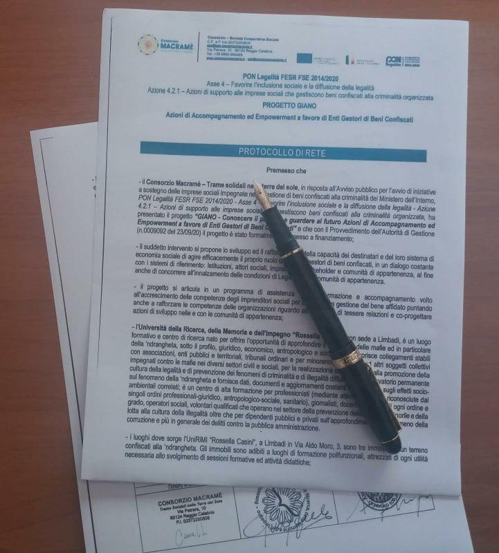 Protocollo di rete firmato